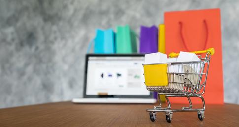 foto de carrinho de compras representando como anunciar no google shopping